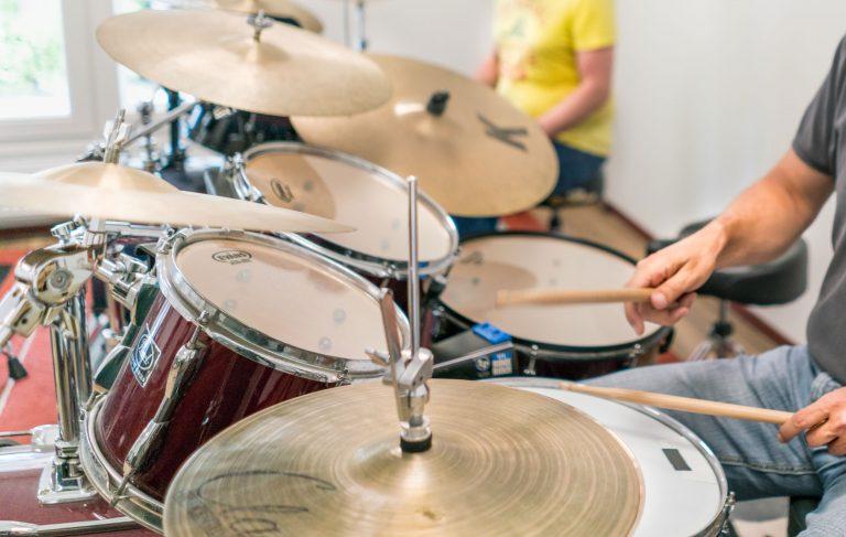 het drumstel, drumles
